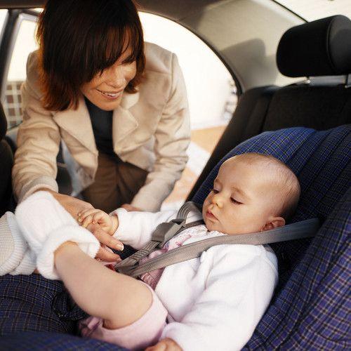 Trucuri simple pentru siguranta copilului in masina