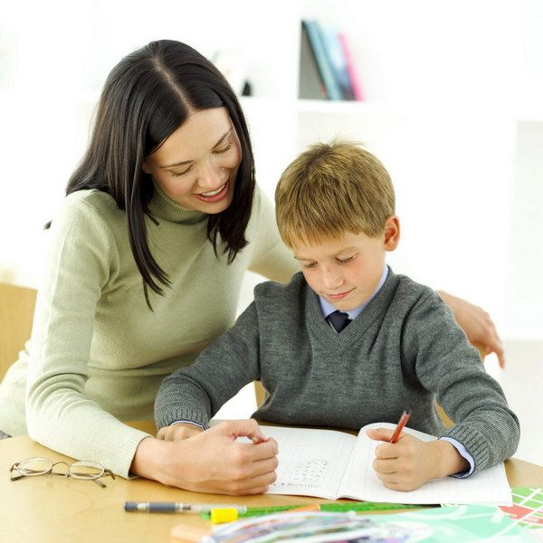 Cum sa ajuti copilul cu temele pentru acasa