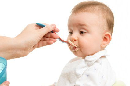 Introducerea timpurie a alimentelor solide. Influenta asupra cresterii copilului