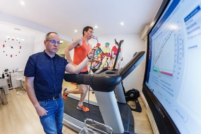 Cinci analize si testari medicale pe care trebuie sa le faci inainte sa te apuci de sport