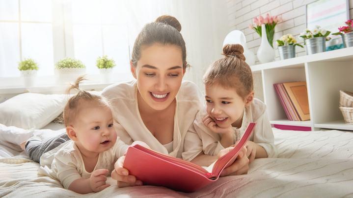 Copilul tau nu e niciodata prea mic sau prea mare sa-i citesti