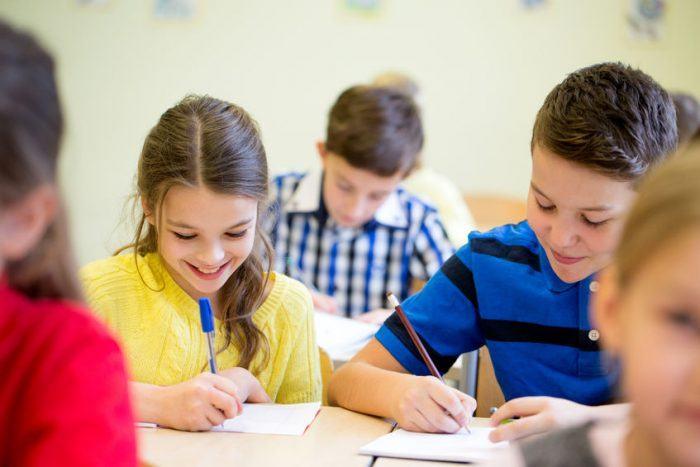 STUDIU Elevii au nevoie de emotii pentru a invata, nu de note