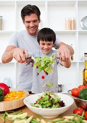 Copiii invata la scoala, acasa si in... bucatarie