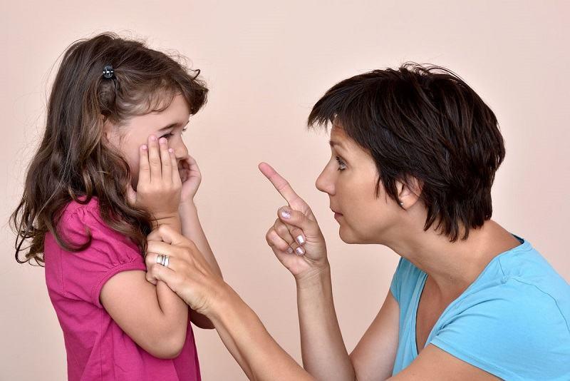 8 fraze care provoaca nesiguranta si furie copiilor. Evita sa le folosesti!