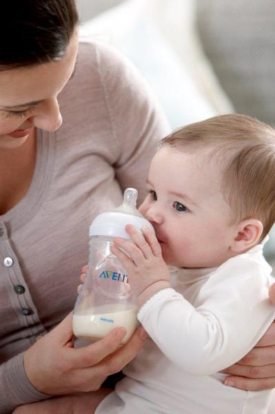 Hranirea naturala este cea mai buna pentru copilul tau
