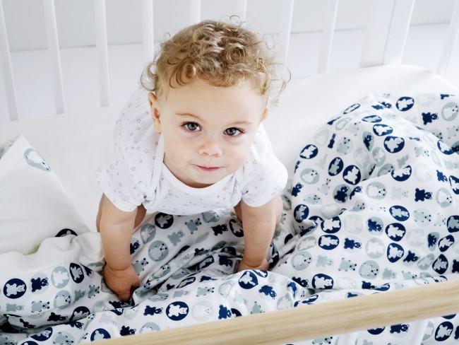 5 principii Montessori pentru amenajarea camerei bebelusului