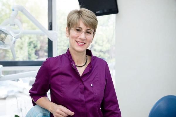 Dr Anca Oltean