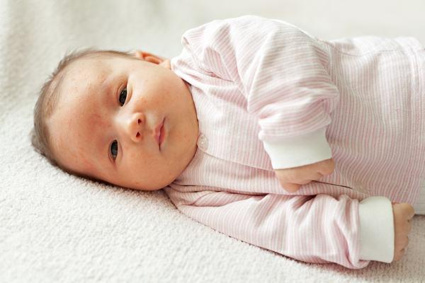 4 jucarii esentiale pentru bebelus