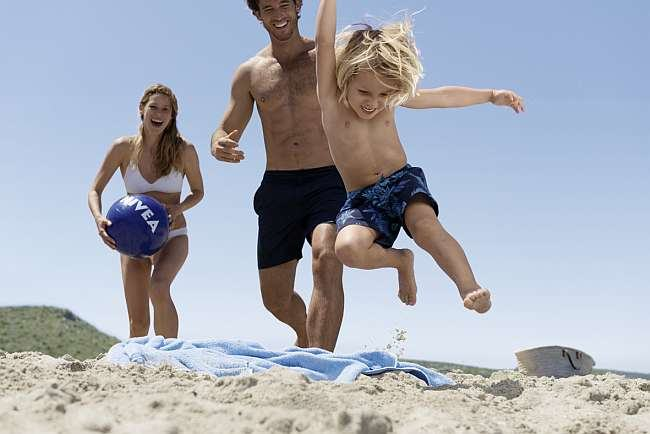 Distractie fara griji sub soare cu  NIVEA Sun Kids
