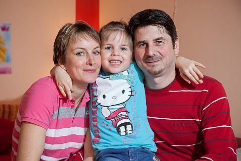 O fetita de 5 ani din Slovacia cu paralizie cerebrala a primit infuzie cu celule stem din sangele propriu