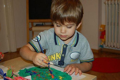 Copiii autisti, mici artisti! Expozitie cu donatie