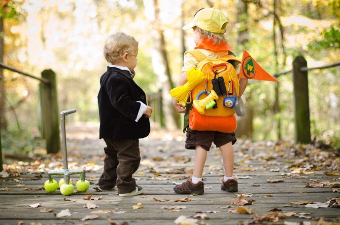 Costume de baieti pentru serbare: proiecte DIY pentru eroul tau!