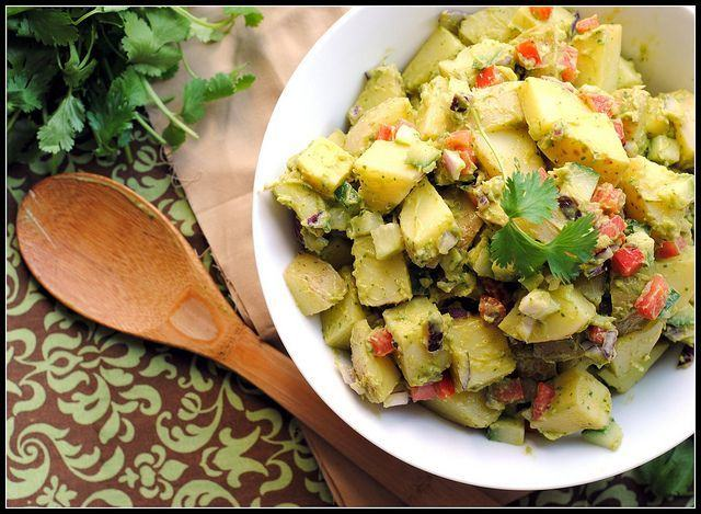 Salata de avocado cu cartofi