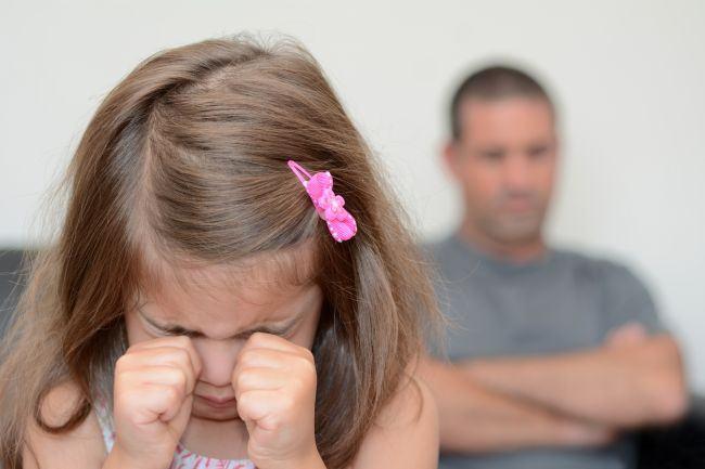 Cum poti recunoaste un copil maltratat? Semnale de alarma pe care le trag victimele unor abuzuri