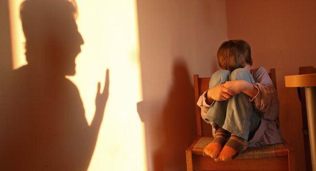 4 lucruri pe care nu le stii despre ABUZUL VERBAL la care este supus copilul cand tipi sau il insulti