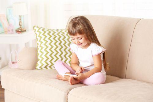 Cand telefonul tau devine jucaria preferata a copilului!