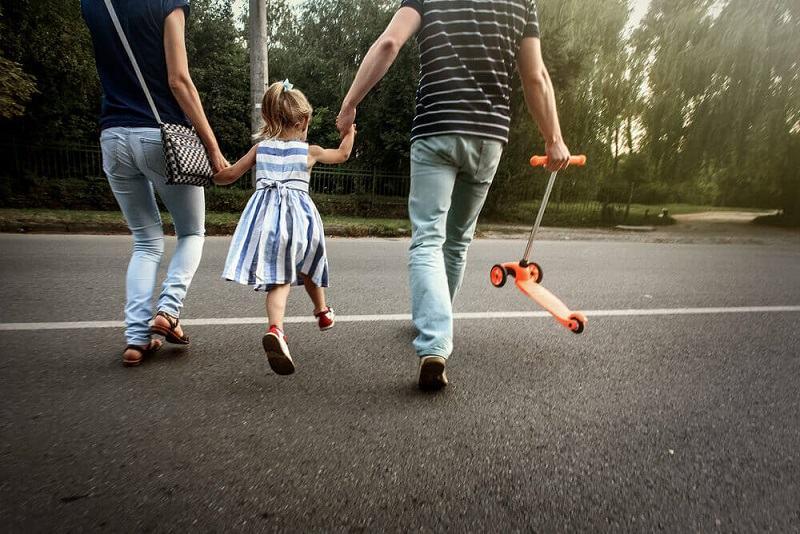 Copiii pot avea teama sa iasa afara dupa izolare! De ce apare aceasta frica si ce poti face
