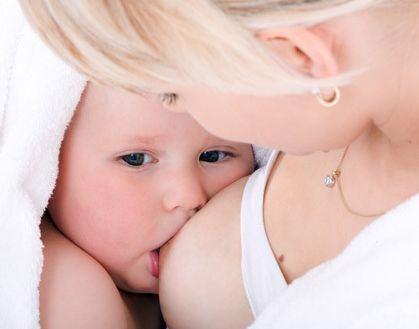 Alaptarea bebelusului, 10 pasi simpli pentru un alaptat corect