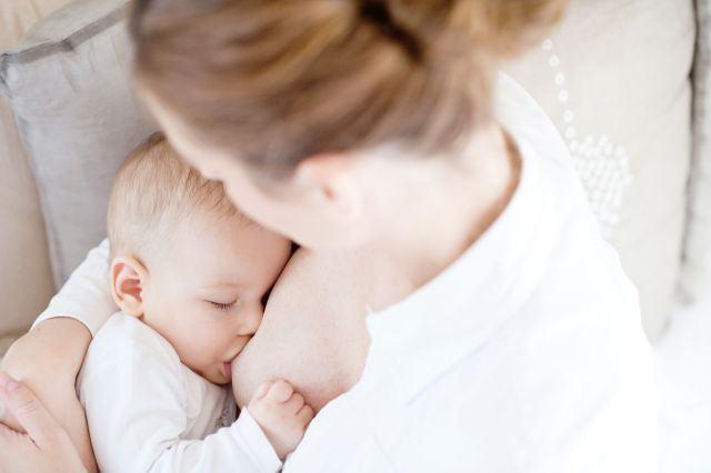 Bebelusul poate fi alergic la laptele meu de san?