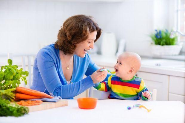 Alimentatia bebelusului si a mamei care alapteaza. Cum alegi alimentele din surse sigure?