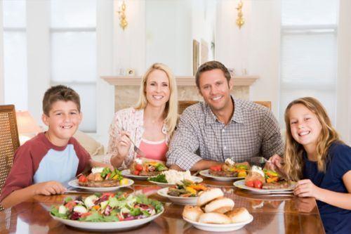 6 modalitati de a introduce mai multe fructe si legume in alimentatia familiei