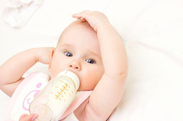 Alimentatia mixta - alternarea alaptarii cu biberonul de lapte praf