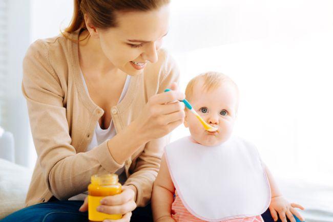 Cele 6 alimente pe care nu trebuie sa i le dai copilului