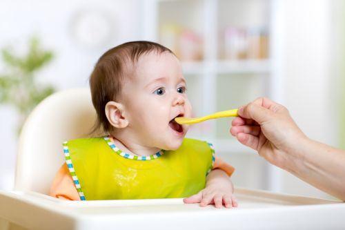 Alergiile alimentare ale bebelusilor. Simptome si tratament