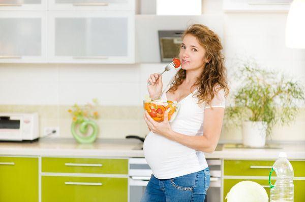 Sfatul medicului ginecolog: 6 alimente de evitat in sarcina