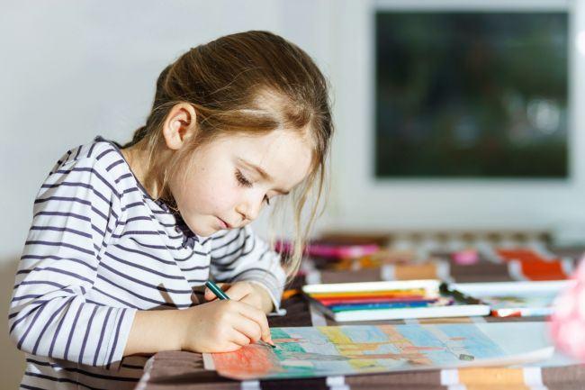 7 alternative pentru tableta si smartphone pentru a convinge copilul sa stea cuminte