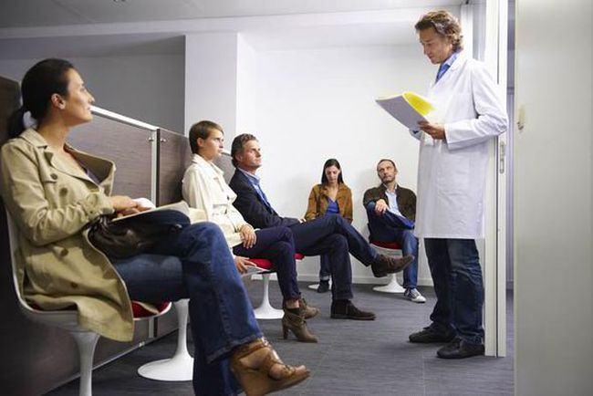 Amenzi mult mai mari pentru medicii si spitalele care lasa pacienti de la urgente sa astepte cu orele pe hol