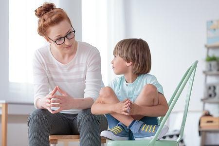 Copil anxios? Iata cum ii putem da incredere noi, parintii