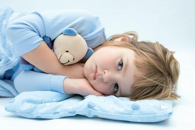 De ce  cere copilul apa cand se culca?