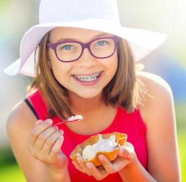 Alimente permise si interzise pe durata purtarii aparatului dentar fix