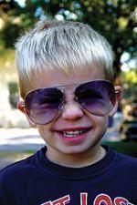 Ochelari de soare din prima zi de viata