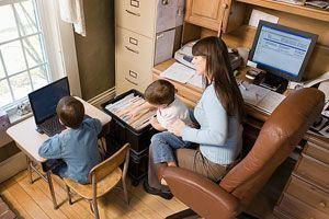 De lucru acasa? Ce facem cu copiii?