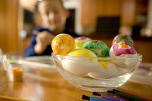 Origami si oua pictate de copii pentru Pasti