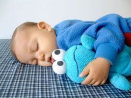 Insomnia la bebelusi