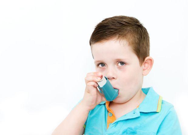 Astmul la copii, mai periculos in oras