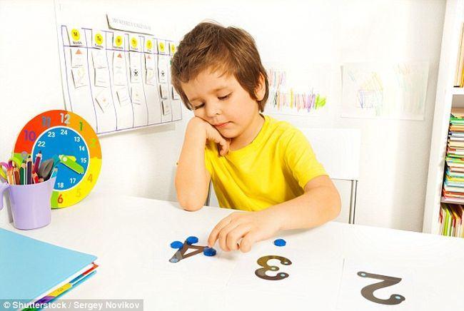 Studiu: Simptomele autismului pot fi reduse datorita transplantului cu fecale