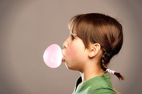 5 activitati nostime si creative ale copilariei. Invata copilul cum sa le faca!