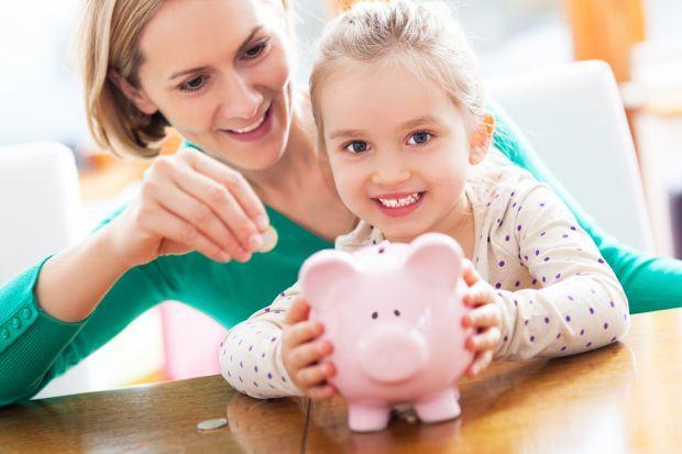 Cand incepem sa le dam copiilor primii bani de buzunar