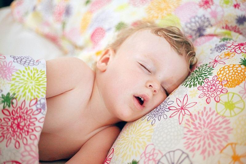 Ce se intampla daca copilul doarme cu gura deschisa