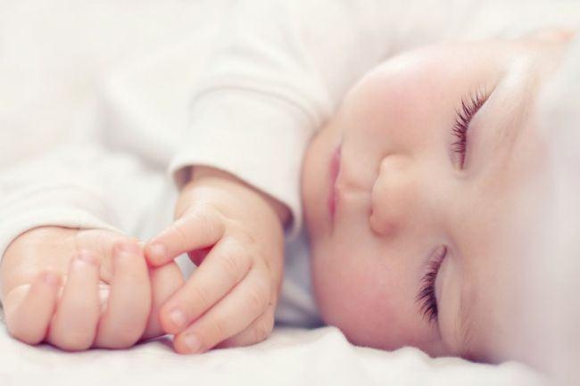Metoda inventata pentru copiii care refuza sa doarma fara mama. Multe mamici au urmat exemplul