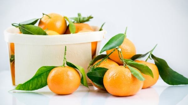 bebelus-burtica-mandarina