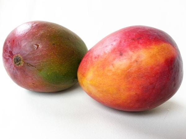 bebelus-burtica-mango