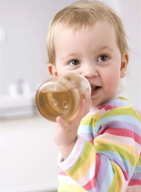 Ce ceaiuri ii dam bebelusului si de la ce varsta?