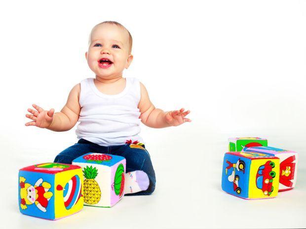 bebelus-cuburi