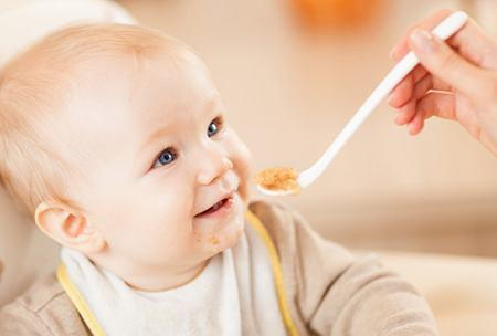 Cand introducem cartofii dulci in alimentatia copilului