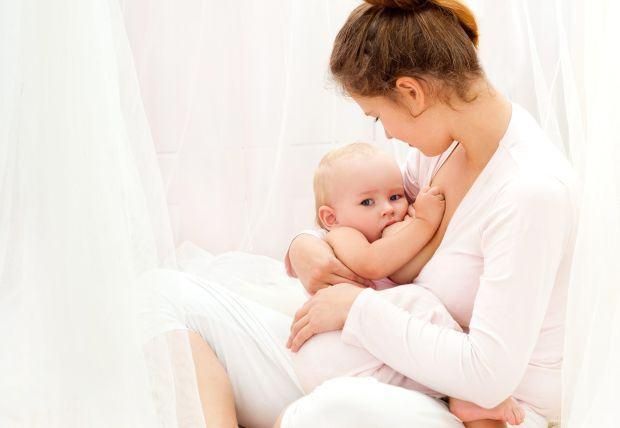 Laptele matern, beneficii uimitoare pentru bebelusul tau